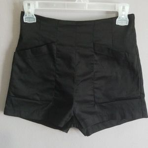 Lush High Waisted Deep Pocket Shorts